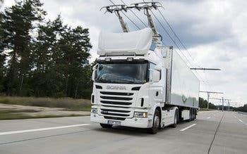 Scania-and-Siemens-installed-the-first-electric-highway-660x330