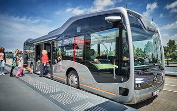 2016-mercedes-benz-future-bus-11