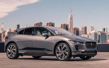 Jaguar-I-PACE-takes-on-smart-cone-challenge-Image_230318_03