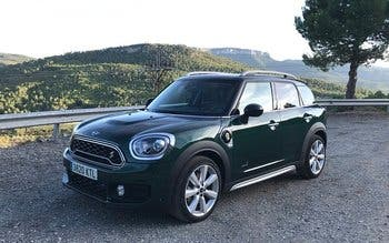 Probamos el Mini Cooper S E Countryman All4: un híbrido enchufable original y con tracción integral