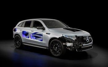 Mercedes-Benz EQC transparente