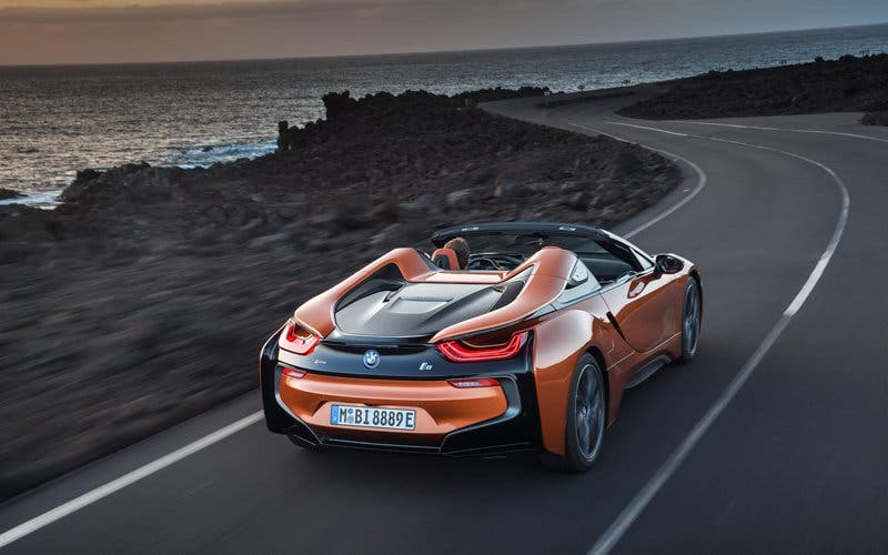 BMW i8 Roadster hibrido enchufable