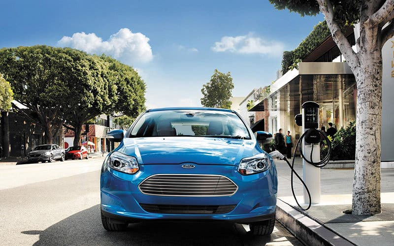 Ford-Focus-EV-electrico-hye-front-1