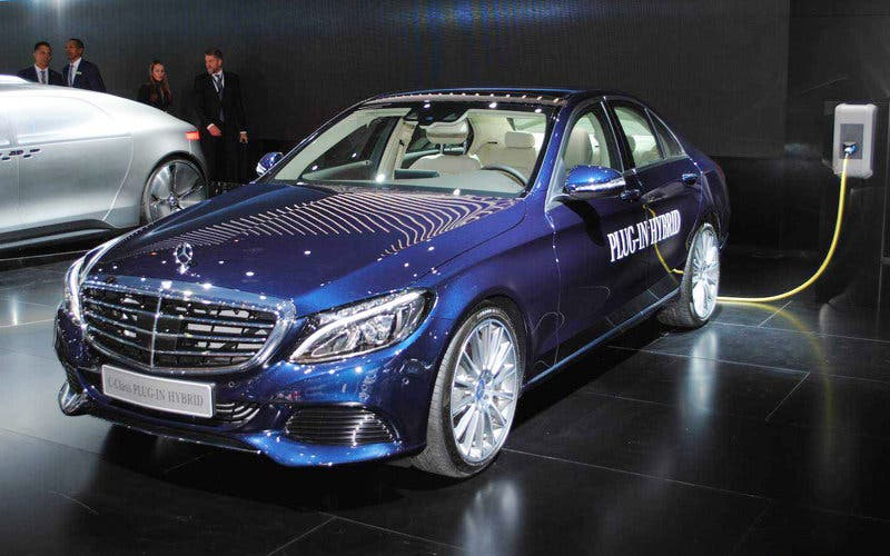 Mercedes Benz C400d Eq Power 2019 El Nuevo Hibrido Enchufable De La