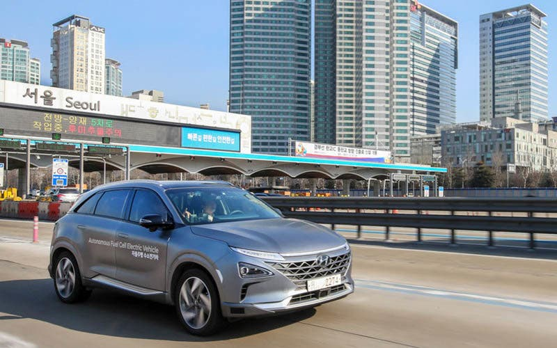 Hyundai Showcases World's First Self-driven Fuel Cell Electric Vehicle - SEOUL, Feb. 4, 2018 ñ A fleet of Hyundai Motor Companyís next generation fuel cell electric cars have succeeded in completing a self-driven 190 kilometers journey from Seoul to Pyeongchang. This is the first time in the world that level 4 autonomous driving has been achieved with fuel cell electric cars, the ultimate eco-friendly vehicles. (PRNewsfoto/Hyundai Motor America)