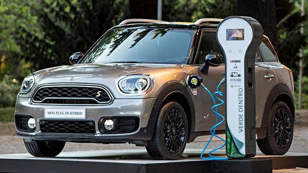 mini-countryman-phev_biggalleryimage