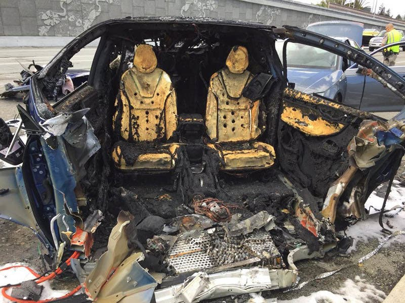 tesla-model-x-involved-in-fatal-fiery-crash-on-highway-101-in-mountview-124517_1