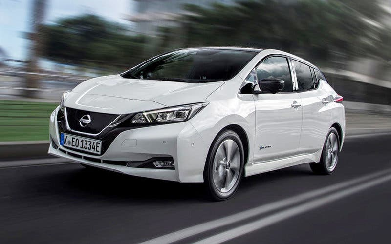 "El nuevo Nissan Leaf 2018, premiado con el ""World Green Car of the Year""."