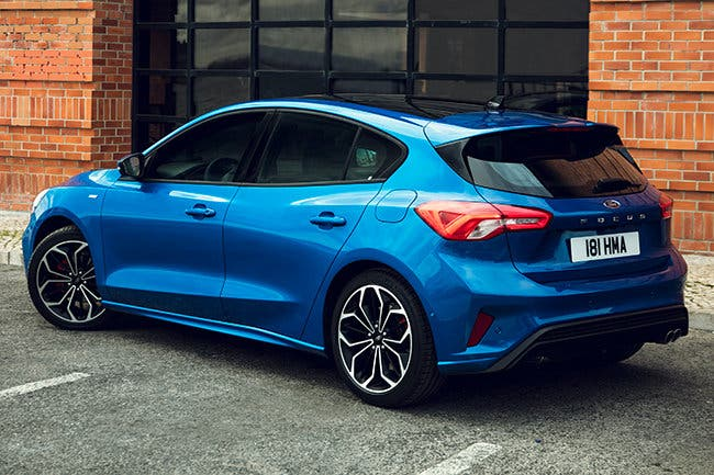 ford-focus-st-line-2018