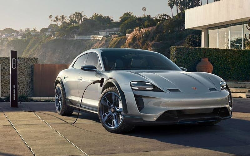 Porsche Mission E Cross Turismo.