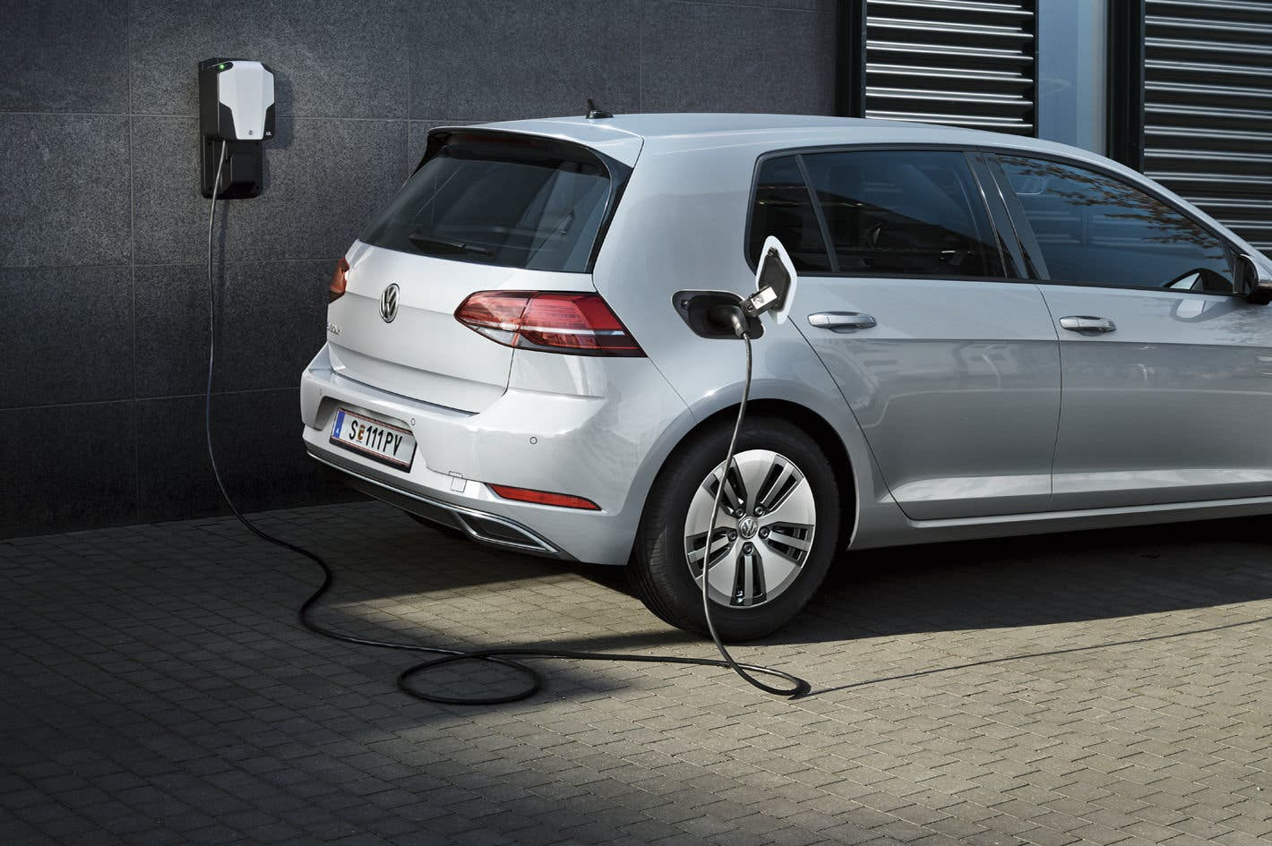 vw-e-golf-ladestation-heck