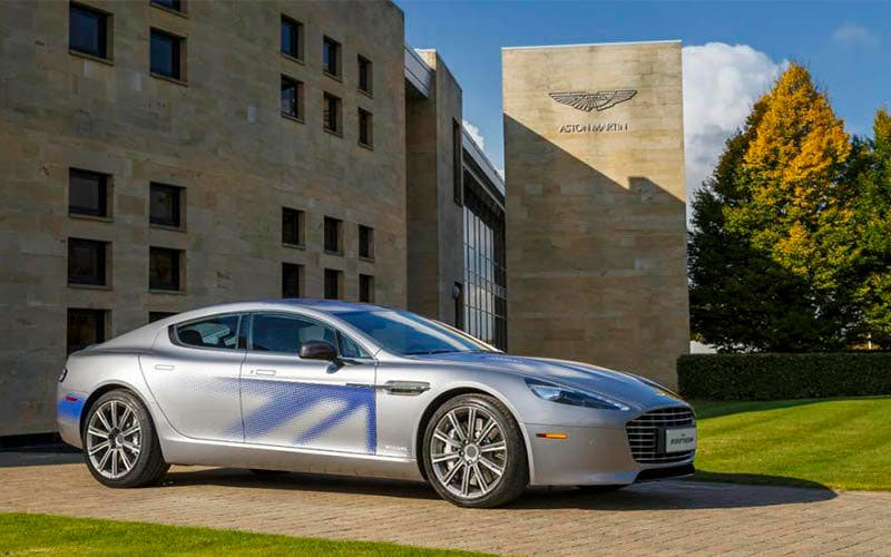El Aston Martin RapidE con baterías de Williams Advanced Engineering