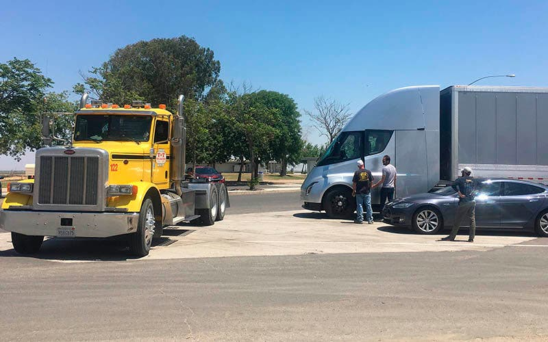 Tesla Semi /Jerome Guillen.