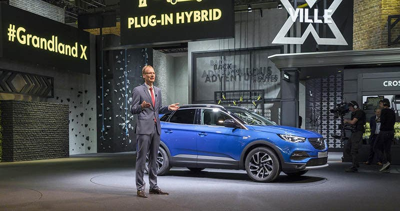 New terrain: Opel CEO Michael Lohscheller announced the arrival of the first Opel plug-in hybrid in the Grandland X.