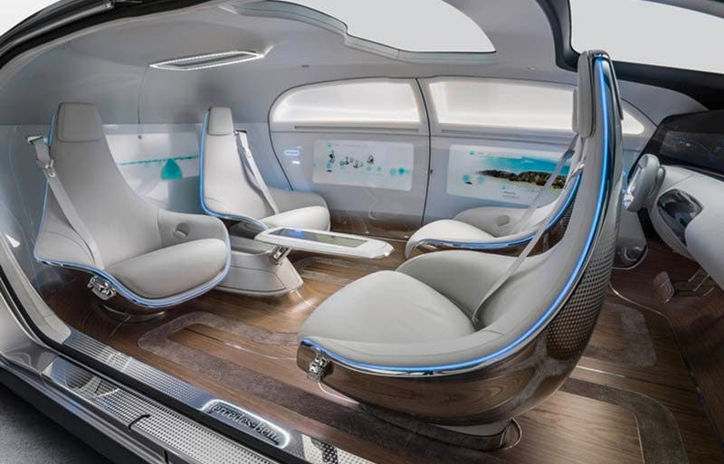Mercedes-Benz F 015  Luxury in MotionEin Automobil, das mit maximalem Platzangebot und Lounge-Charakter im Interieur das Thema Komfort und Luxus auf ein neues Niveau hebtA vehicle which raises comfort and luxury to a new level by offering a maximum of space and a lounge character on the inside