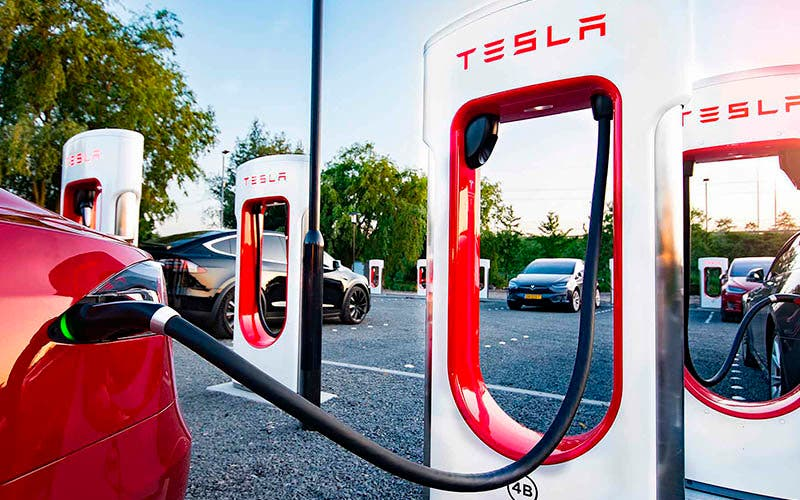Tesla se centra en ampliar la red de Supercargadores europea y en la red Urban Supercharger