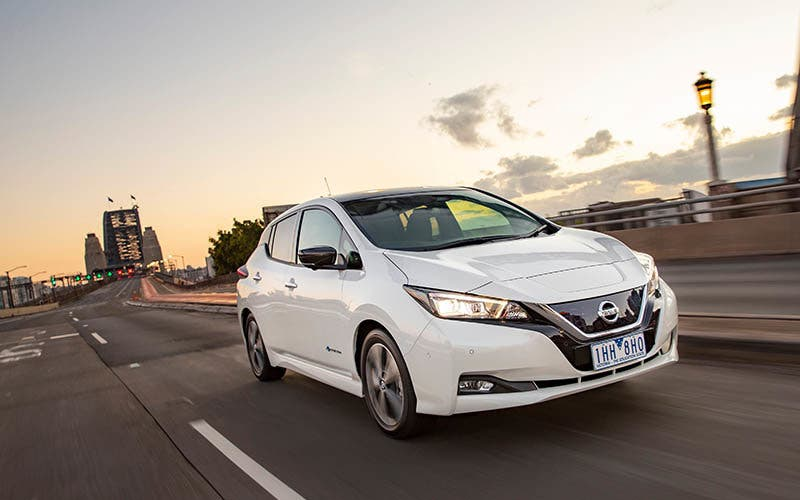 Melbourne, Australia – The New Nissan LEAF has won its first major Australian automotive award, winning the coveted Drive.com.au Car of the Year 'Green Innovation' award.