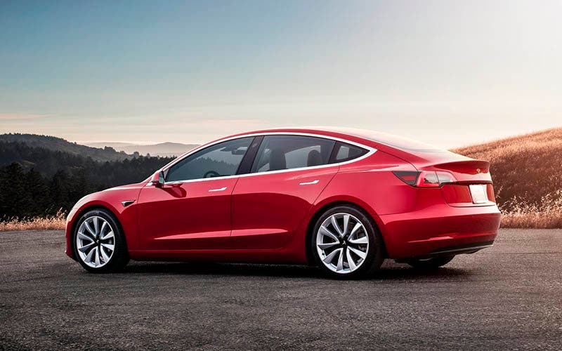Tesla retira de producción el Model 3 Long Range Rear-Wheel Drive.