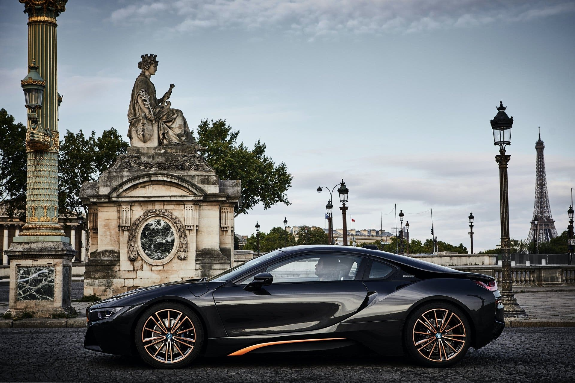 BMW-i8-Ultimate-Sophisto-Edition-1