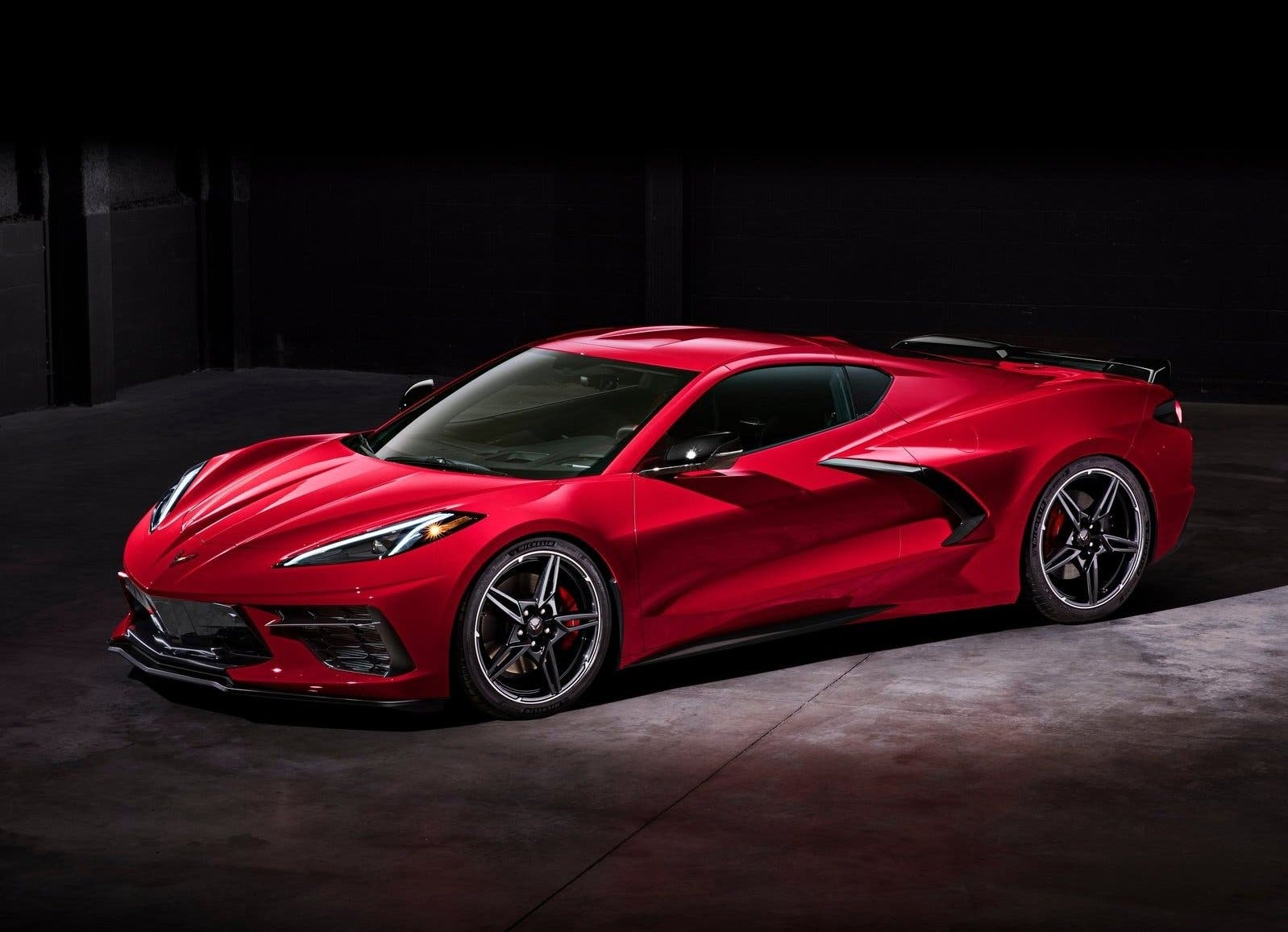 Chevrolet-Corvette-C8-Stingray-2020-06