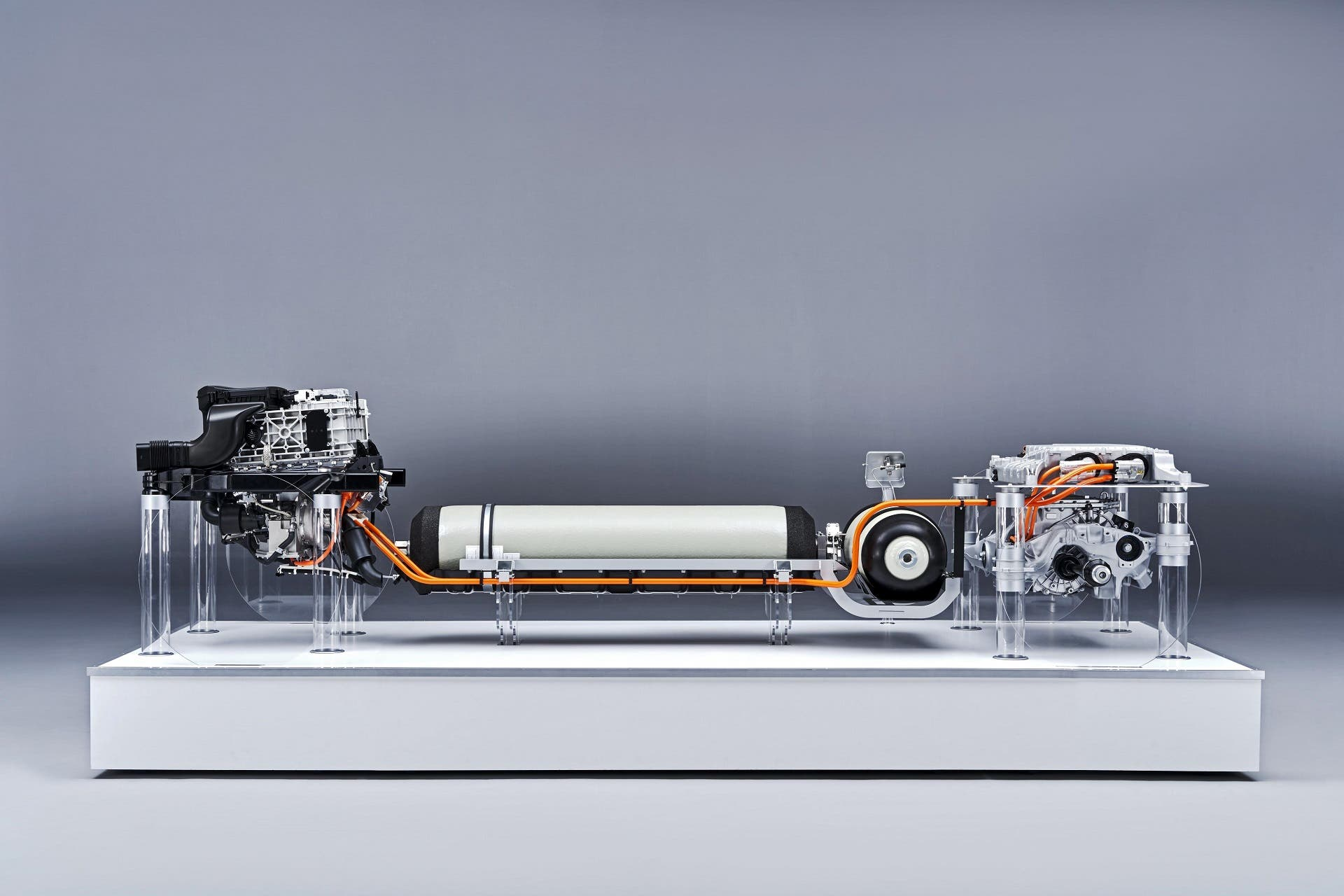 BMW-i-Hydrogen-NEXT-sistema-propulsion-03