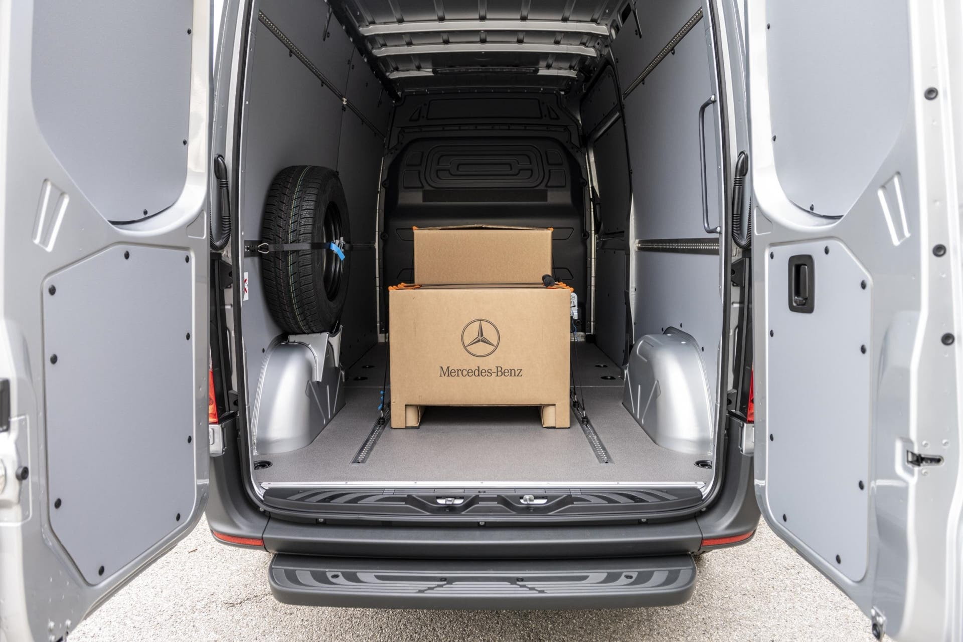 Mercedes-benz-esprinter-electrica-2020-01
