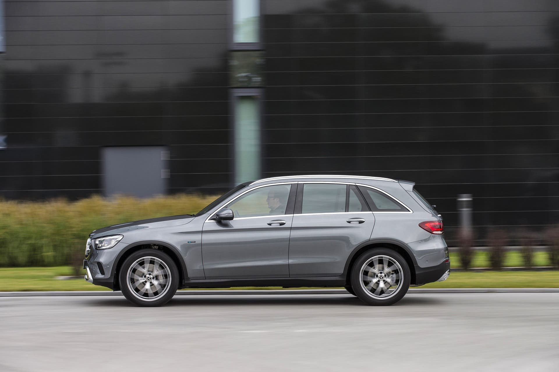 Mercedes-Benz-GLC-300e-hibrido-enchufable