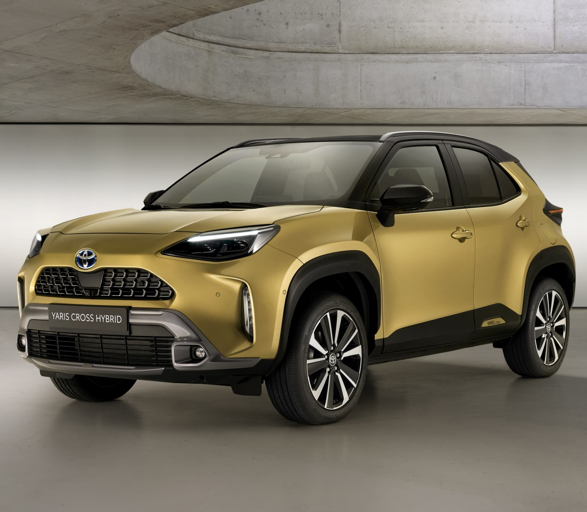 toyotayariscrosspremiereedition1