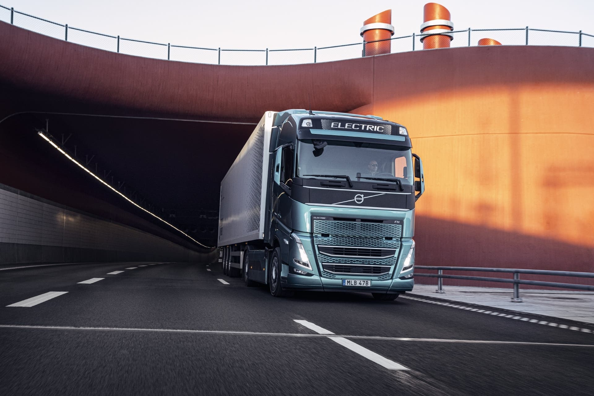 Volvo-FH-electric-04